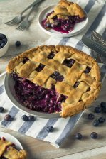 Blueberry Pie and Homemade Fruit Pie Filling Recipes #misshomemade | Thousands of recipes at MissHomemade.com
