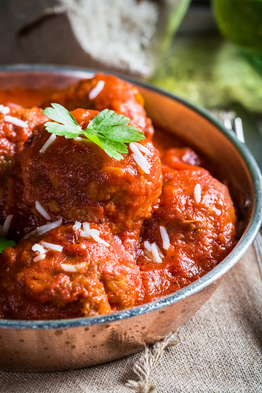 Juicy Meatballs in Sauce and more Italian Food Recipes #misshomemade | Thousands of recipes at MissHomemade.com