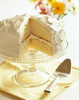 French Vanilla Cake Recipe adorned by thousands #misshomemade | Thousand of recipes at MissHomemade.com