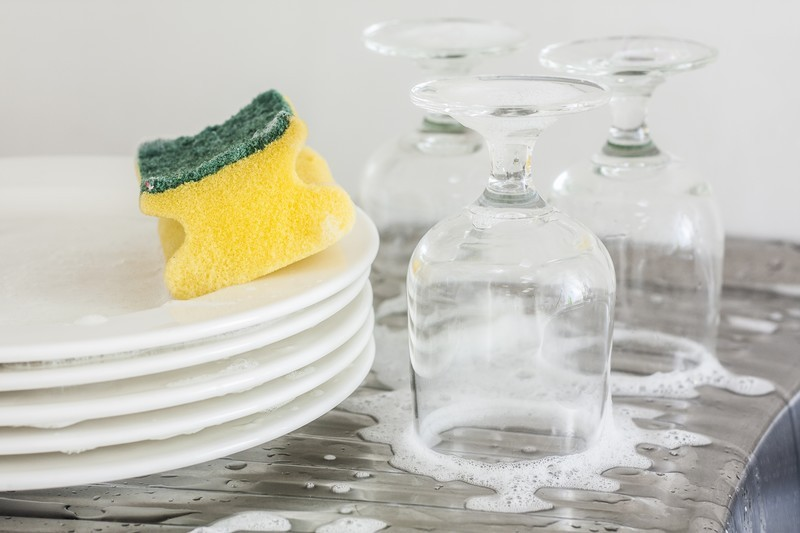 NOW HEAR THIS.  You can made your own liquid dish soap and powder dishwasher soap from scratch!  Click for the recipes...  #misshomemade