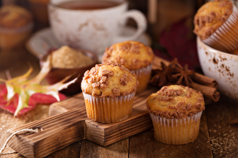You are going to LOVE these apple pumpkin streudel muffins. So moist and sweetly spiced, makes the perfect autumn treat. #misshomemade