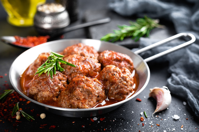 This is the best homemade Italian meatball recipe.  Big, juicy meatballs that are so flavorful. #misshomemade
