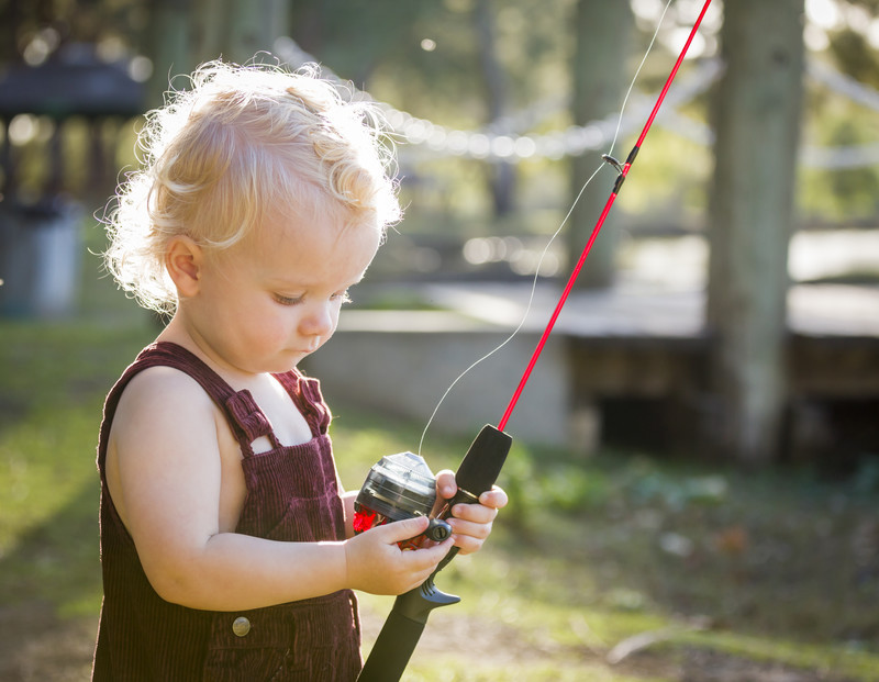 Learn what is reliable and doesn't cost an arm and a leg when buying fishing reels for the family. #misshomemade