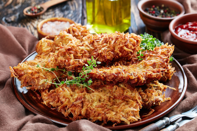 Easy Hash Brown Chicken Recipe - if you like hash browns (my hand is up) and chicken, you need to check out this recipe. Lip Smackin' Dipping Sauce too!  #misshomemade