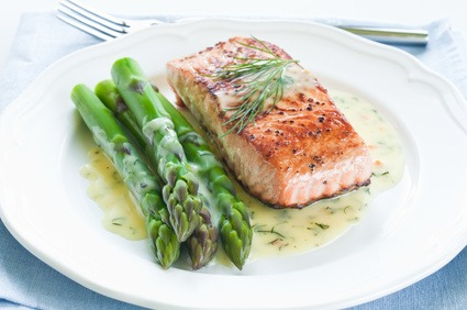 Salmon and Asparagus with Hollandaise Sauce Recipe
