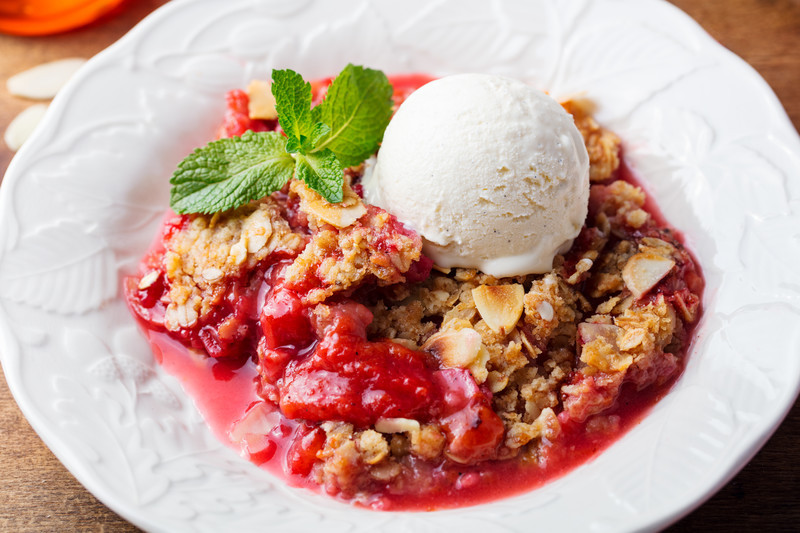 Best Strawberry Rhubarb Crumble combines sweet and a touch of tart that is even better with a dollop of ice cream! #misshomemade | Thousands of recipes at MissHomemade.com