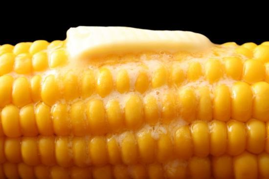If you want new ideas for corn, you will want to see this page. Learn how to cook it several ways, freeze it and serve it many ways with a smile. #misshomemade