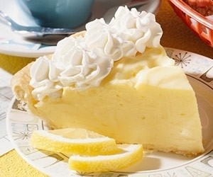Easy Lemon Mousse Recipe - This is my favorite, and after you taste the mousse you will know why. Fresh lemons make this amazing. #misshomemade | Thousands of recipes at MissHomemade.com