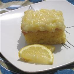 This 7up Cake Recipe makes a light lemon and pineapple cake with delicious frosting. #misshomemade | Thousands of scratch recipes at MissHomemade.com
