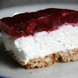 Addicting Strawberry Pretzel Salad