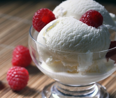 Homemade Vanilla Ice Cream Recipe from Scratch